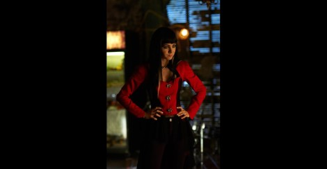Ok I know this picture is from last week's episode, but can we talk about how hot Kenzi's outfit was in this? I love the custom outfits that the designers churn out in this show!
