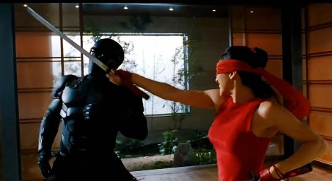 Snake Eyes doesn't trust Jinx, that's obvious, but she's got some kick ass moves.
