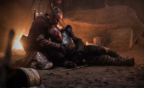 Yes, hold Beric, Thoros. Hold him.