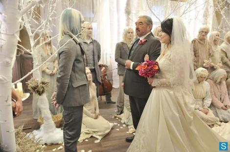 If you ignore the suicide during the wedding, it was actually a nice wedding. And Datak and Rafe both behaved themselves.