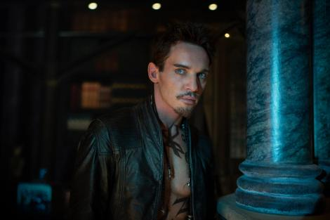 Ok, so I'm still on the fence about Jonathan Rhys Meyers, but it might be because he kind of scares me. Though, that does make him a great villain.