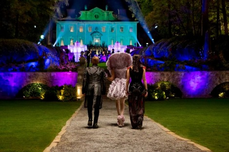The team from District 12 makes their way to the Victory Tour party. [quarterquell.org]