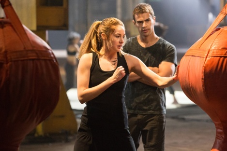 Shailene Woodley as Tris and Theo James as Four in the Dauntless training grounds [Summit Entertainment]