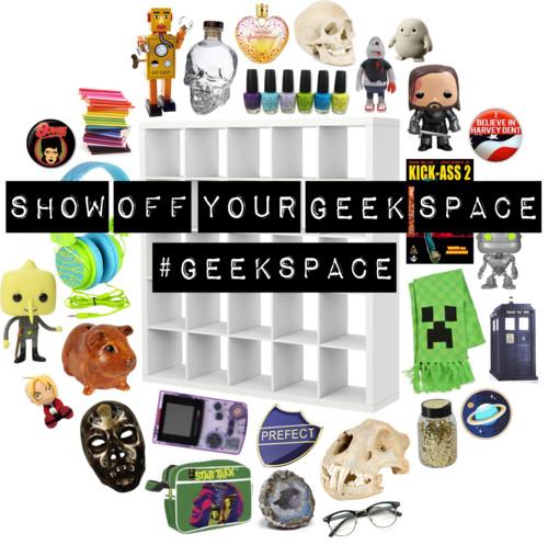 http://www.theprincessandthegeek.com/2014/04/show-off-your-geek-space-geekspace.html
