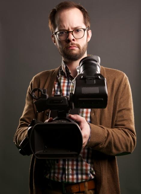 Tech aficionado Lindsey (Neil Grayston).