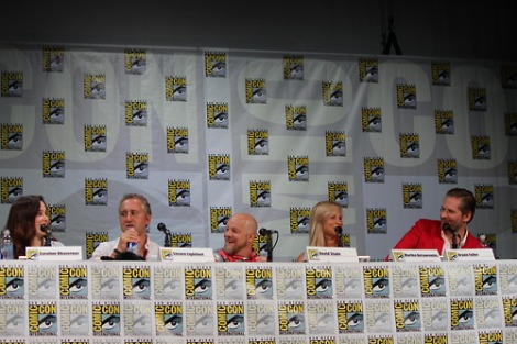 http://avidfannibal.tumblr.com/post/92794401713/just-a-couple-of-pictures-from-todays-panel-ill