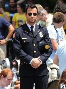 Justin Theroux as police chief Kevin Garvey