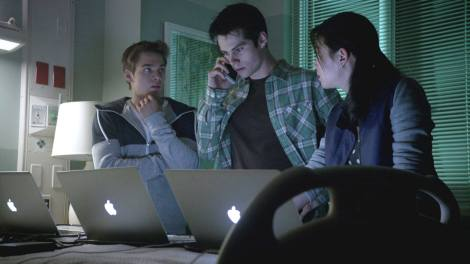 Jealous of all the teenagers' Macbooks. Not convinced their parents bought them those when they're having financial issues, but hey. #PlotHole [TeenWolfDaily.com]