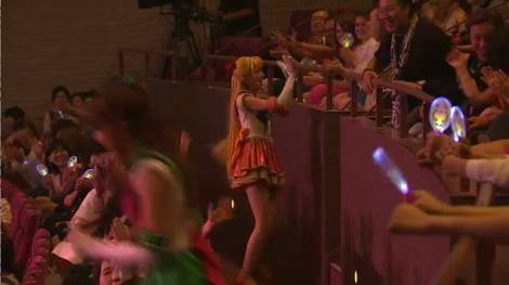 Sailor Venus giving us high-fives for all of Japan to see. Am I famous yet?